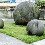 Balls in the Courtyard of National Museum, San José, Costa Rica. Photo courtesy of John W. Hoopes.  Copyright ©2001 John W. Hoopes. All rights reserved.