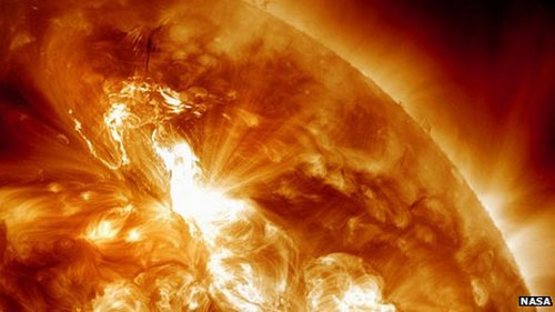 Post image for Strongest Geomagnetic Storm In 6 Years Could Hit Flights & Power Grids