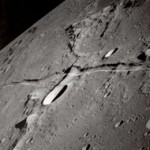 Scientists look for aliens on the moon