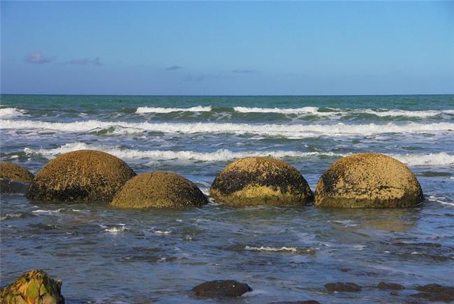 shperical_boulders3