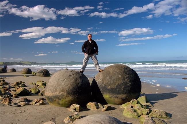 sphere_boulders1