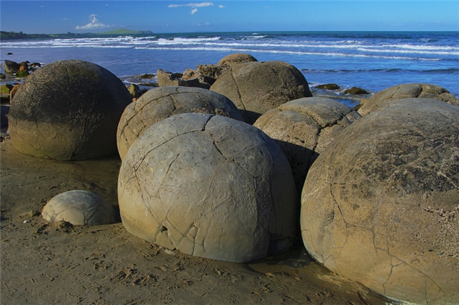 spherical_boulders4