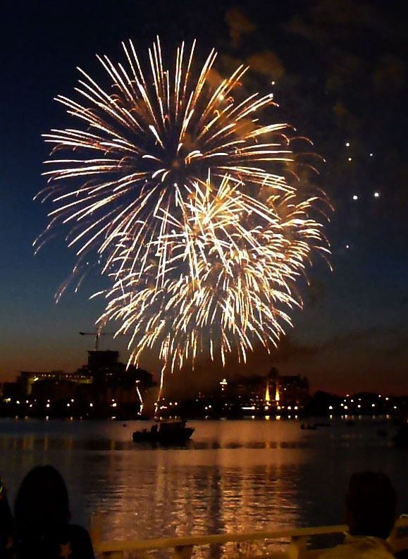 bc_victoria_fireworks