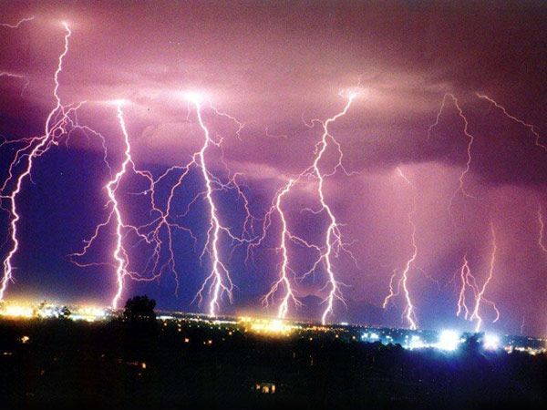 LightningStrikes1