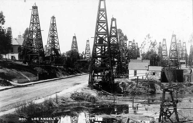 Los-angeles-oil-rigs