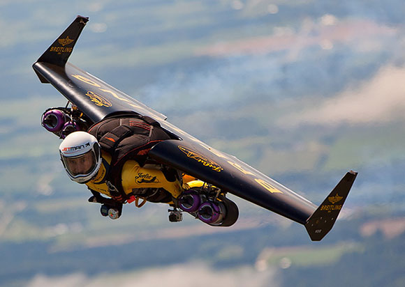 Post image for Yves Rossy: Fly with the Jetman