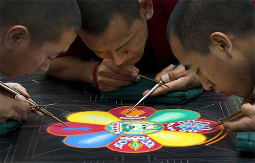 monks_makingMandala