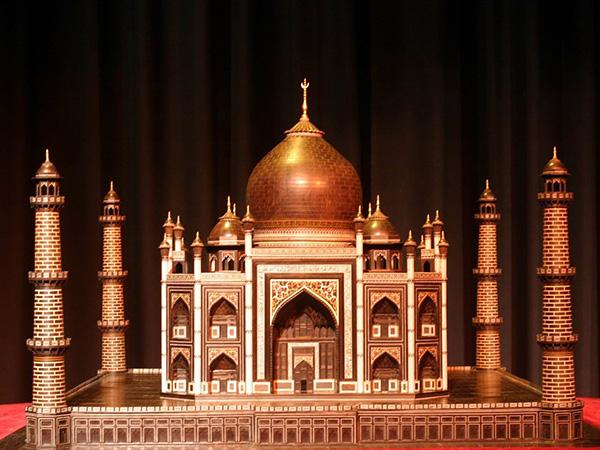 BLACK TAJ MAHAL: The Emperor's Missing Tomb Black-Taj-2