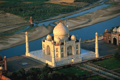 Black Taj Mahal The Emperor S Missing Tomb World
